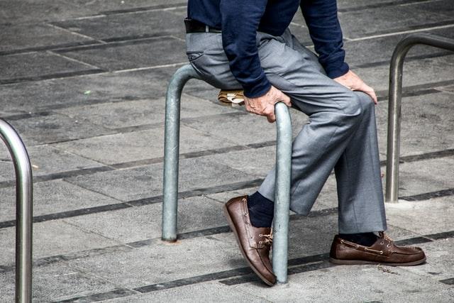 jenis kain celana formal pria